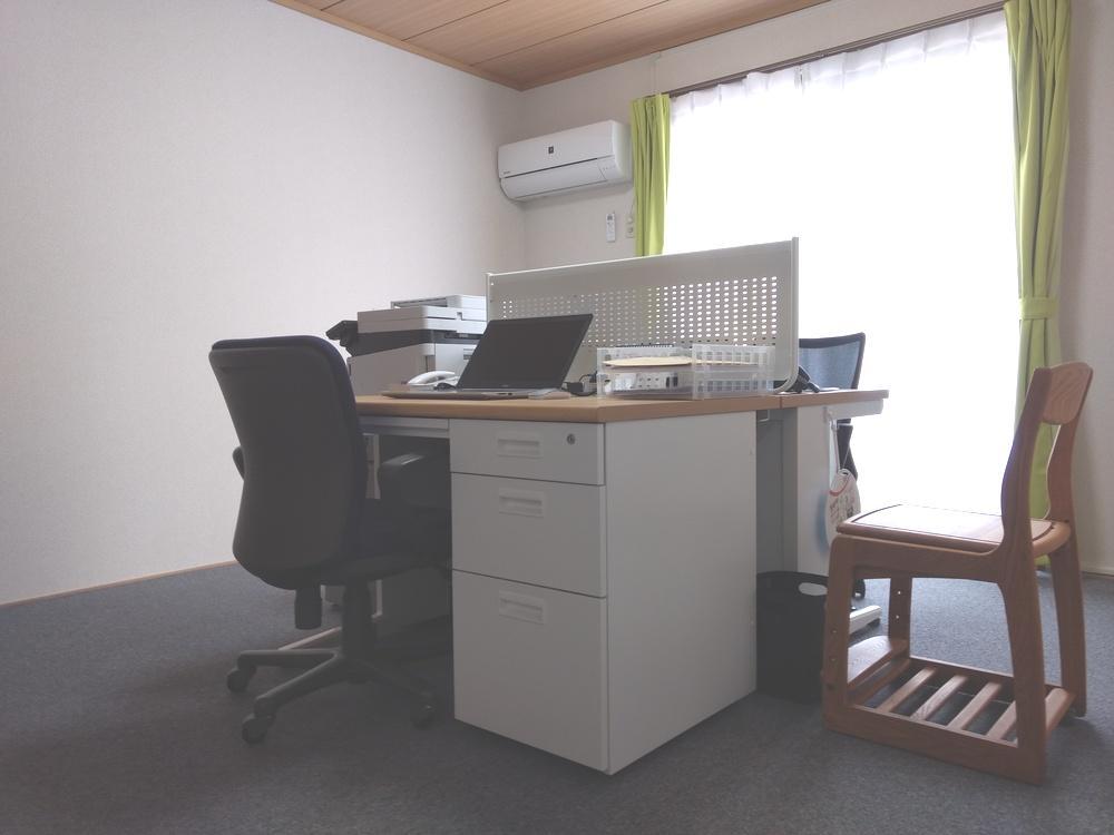 相談室兼事務室